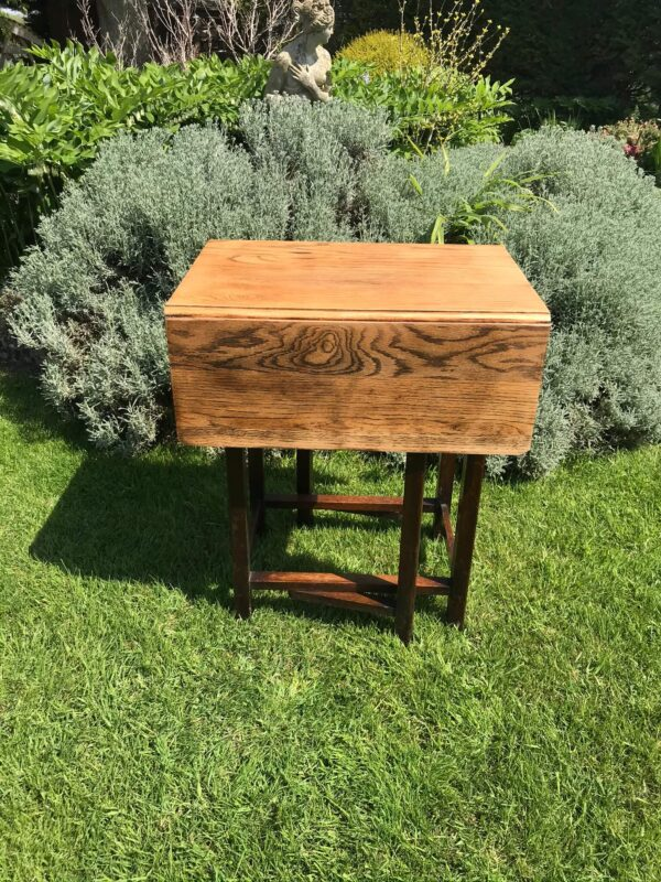 Mid Century Herbert E Gibbs Drop Leaf Gate Leg Oak Table – £80