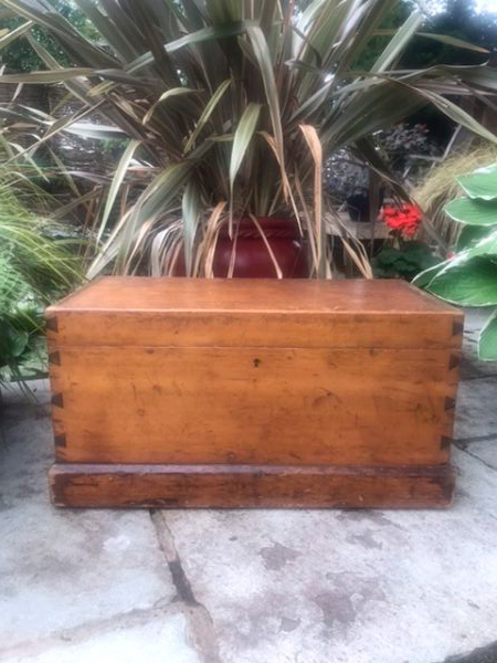 Antique Pine Box or Tuck Box – £98