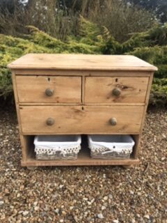 Victorian Pine Chest of Drawers – Sold